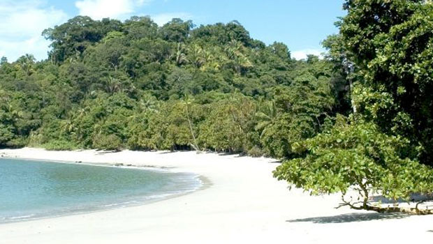 beach-honeymoon-in-costa-rica-manuel-antonio